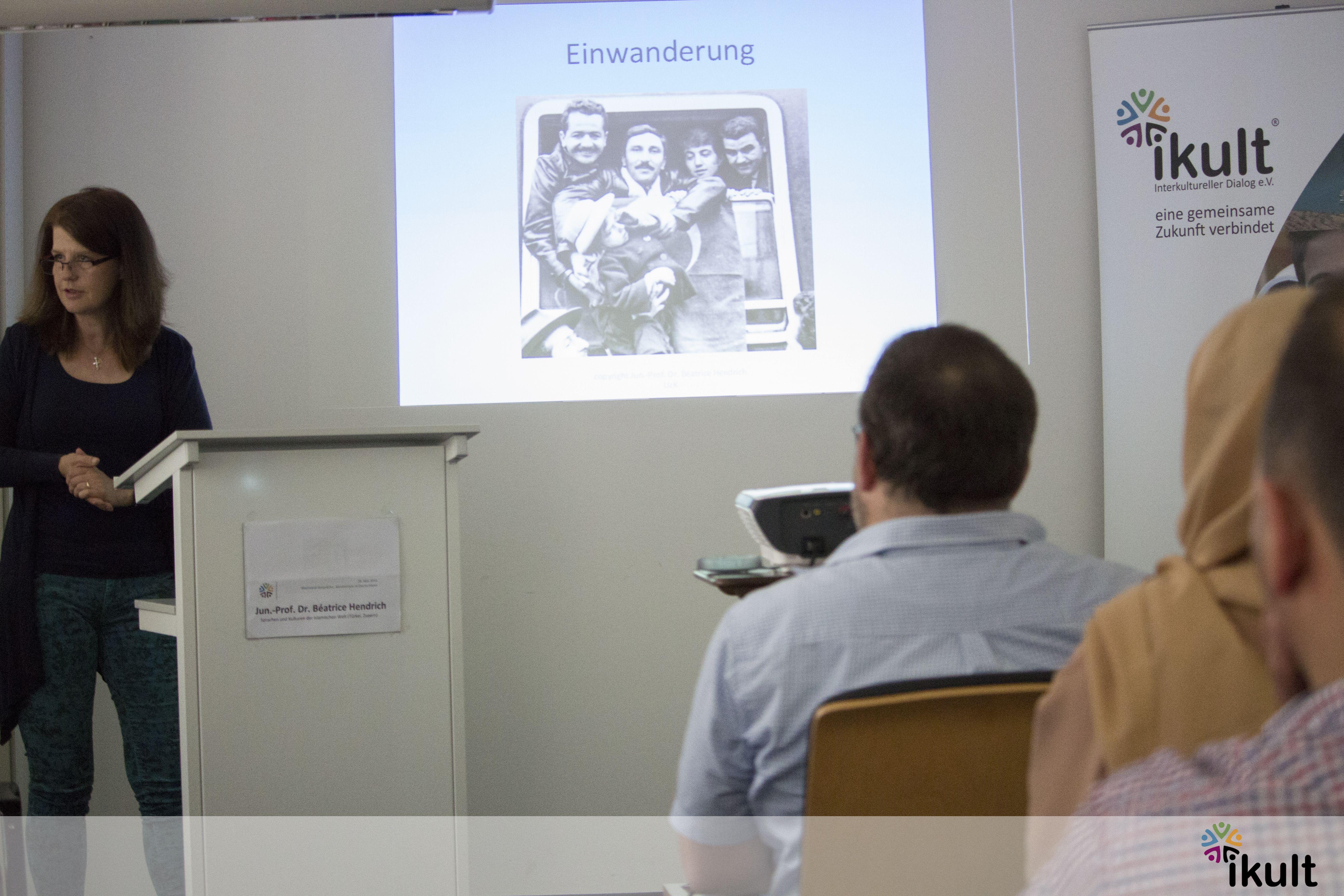 un.-Prof. Dr. Béatrice Hendrich